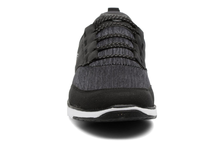 Baskets Lacoste L.IGHT 317 5 Noir vue portées chaussures
