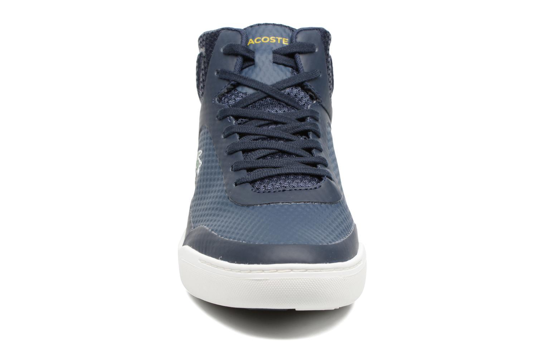 Baskets Lacoste EXPLORATEUR SPT MID 317 5 Bleu vue portées chaussures