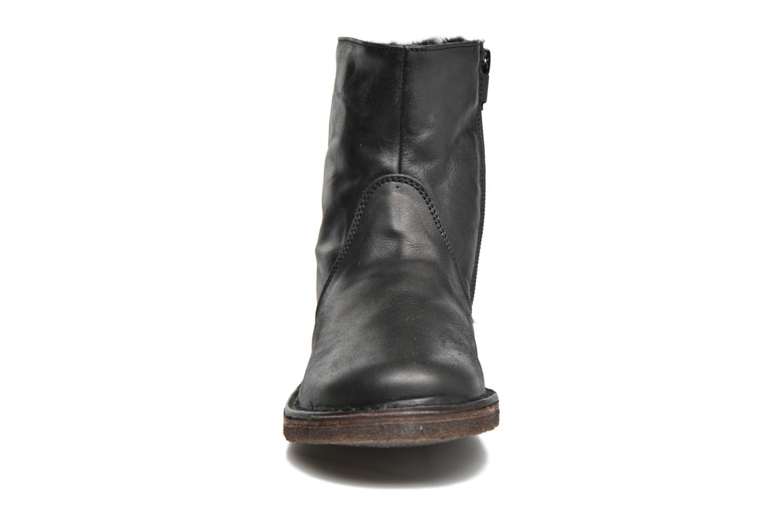 Bottines et boots PèPè Fabio Noir vue portées chaussures