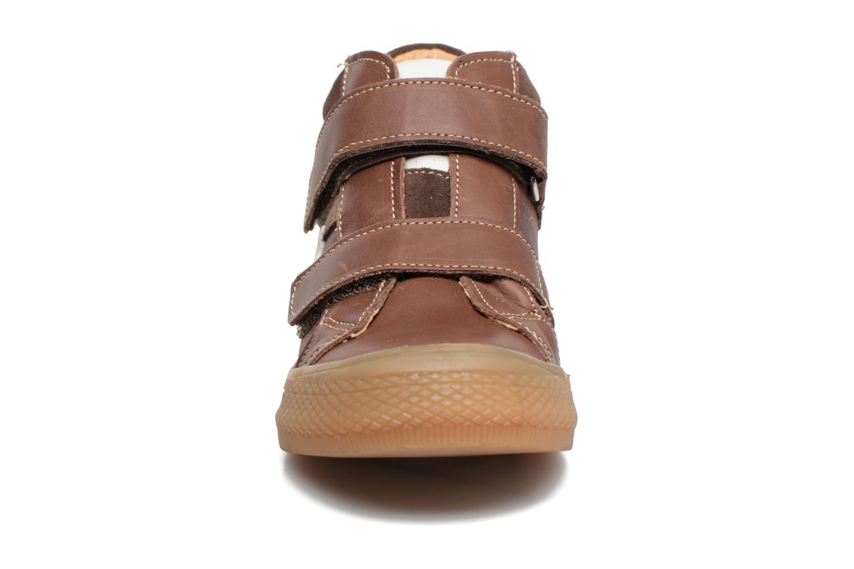 Baskets Minibel Nilan Marron vue portées chaussures