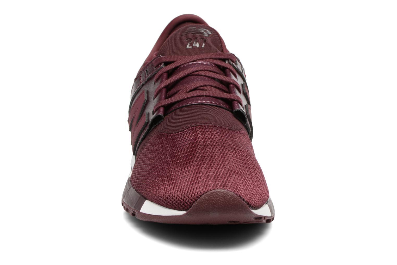 Baskets New Balance WRL247 B Bordeaux vue portées chaussures