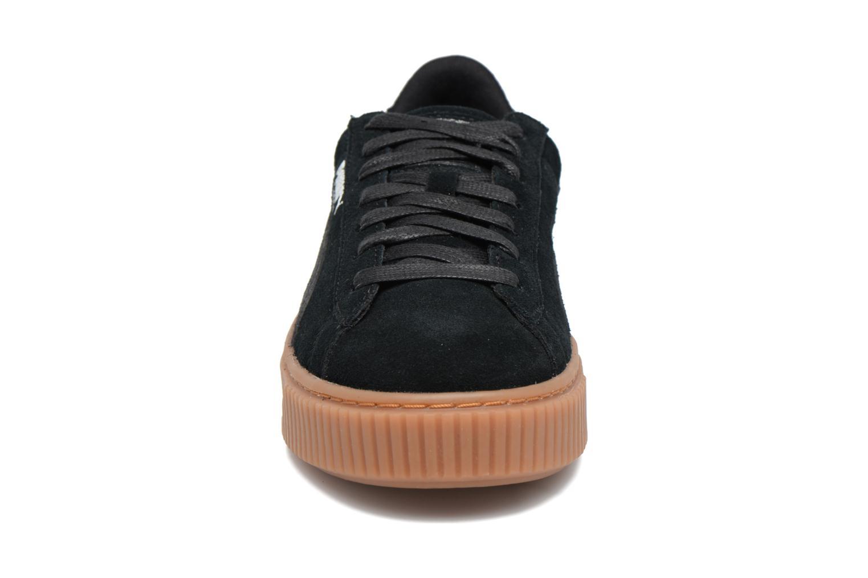 Baskets Puma Wns Suede Platform Gum Noir vue portées chaussures