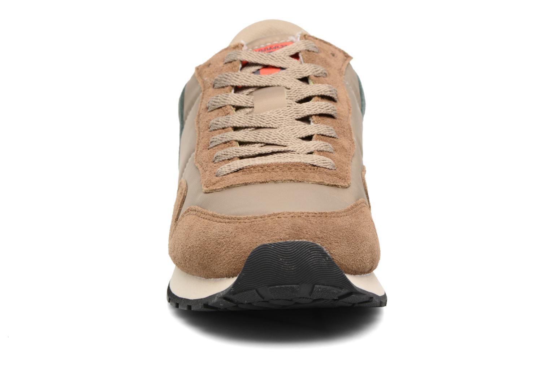 Baskets Bensimon Runnings H Beige vue portées chaussures