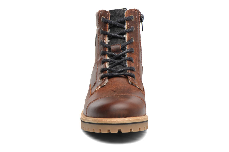 Bottines et boots Bullboxer Tom Marron vue portées chaussures