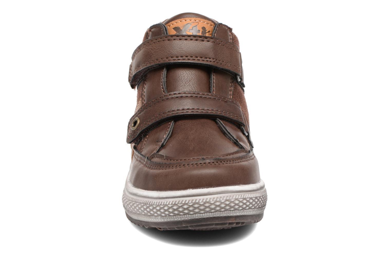 Baskets Xti 55176 Marron vue portées chaussures