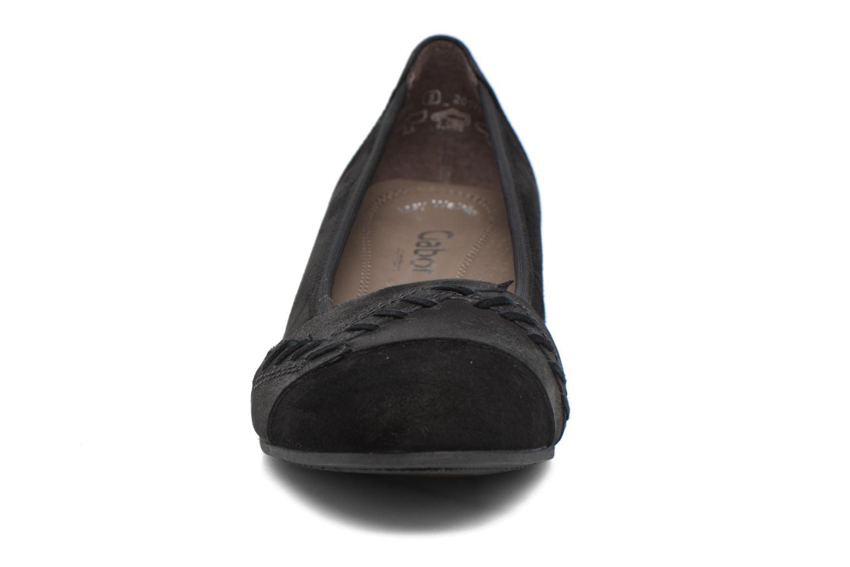 Ballerines Gabor Leah Noir vue portées chaussures