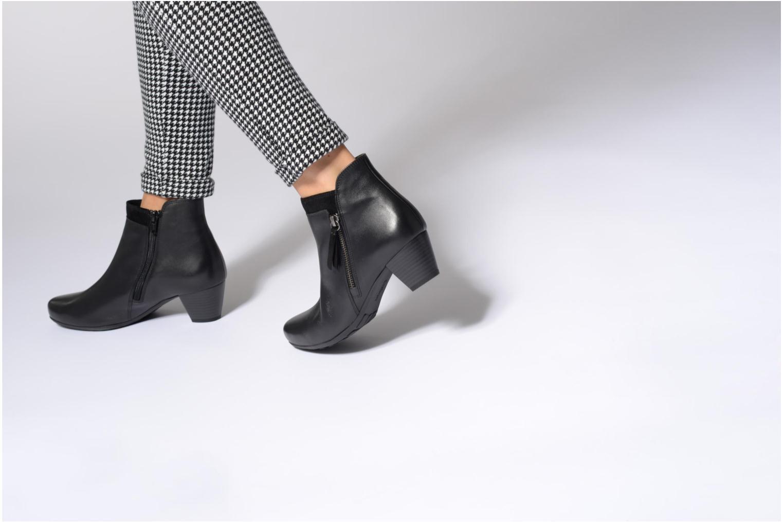 Bottines et boots Gabor Jule Noir vue bas / vue portée sac