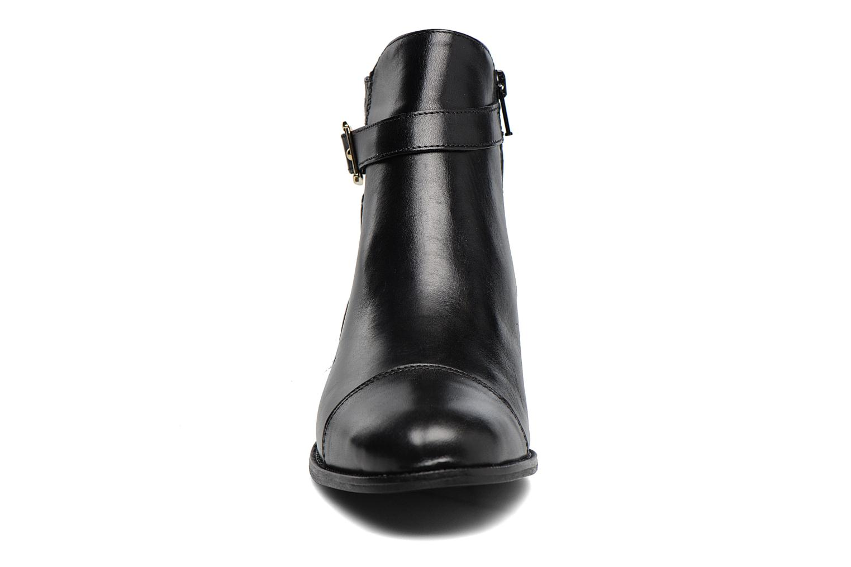 Ankle boots Georgia Rose Lavanda Black model view