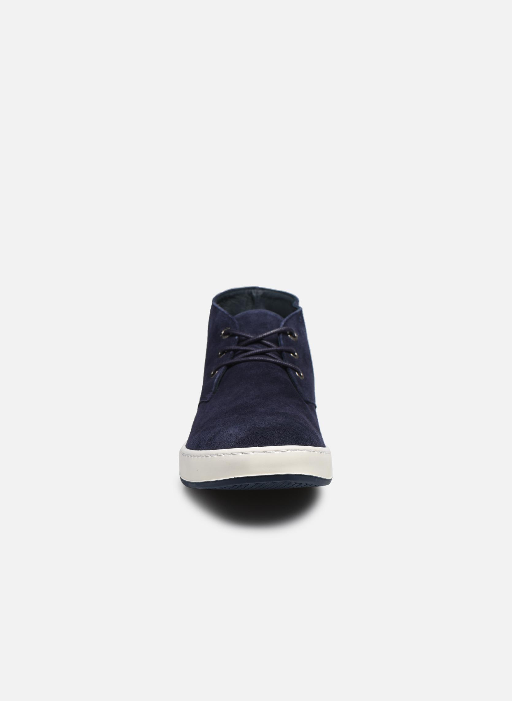 Scarpe con lacci Aigle Lonriver Mid Azzurro modello indossato