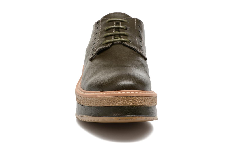 Chaussures à lacets MTNG Ed Vert vue portées chaussures