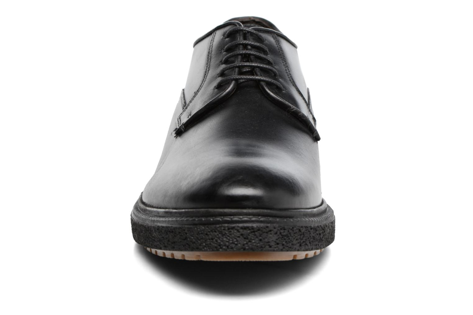 Lace-up shoes Base London Riot Black model view