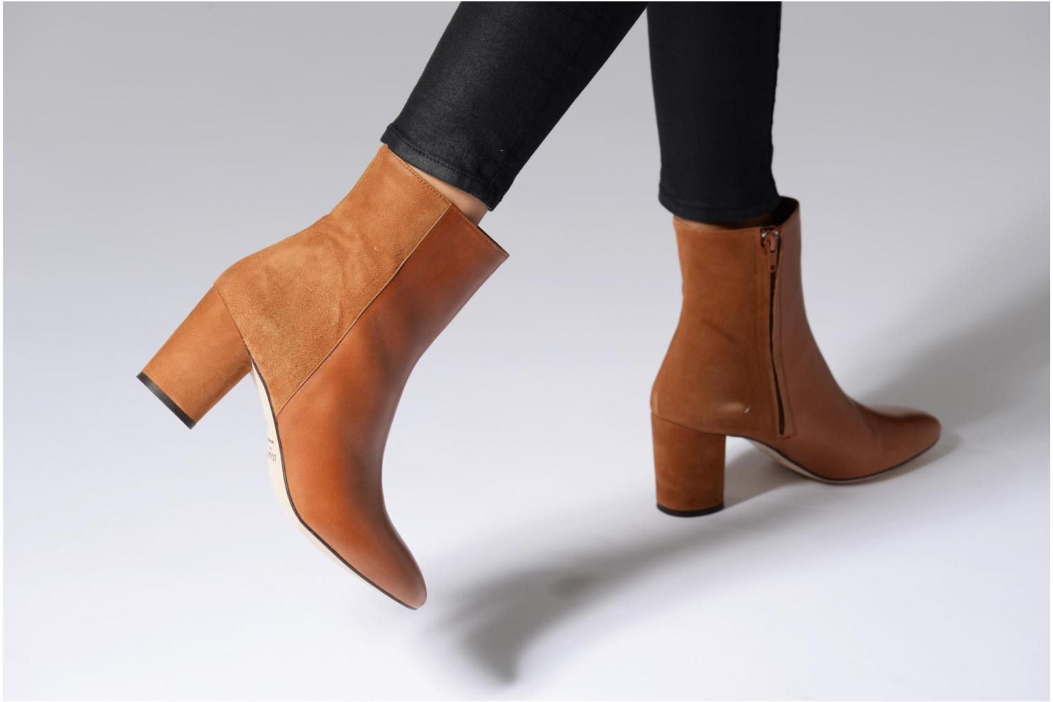Ankle boots Jonak 11700 Brown view from underneath / model view