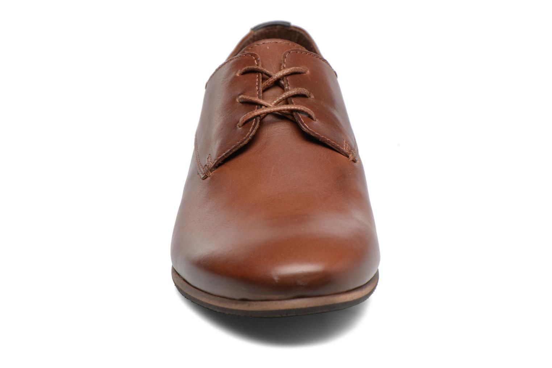 Chaussures à lacets Kickers GAZELLAN Marron vue portées chaussures