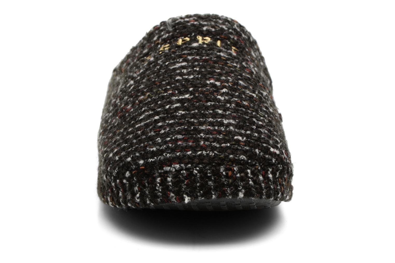 Pantofole Esprit PEPPER MULE Nero modello indossato