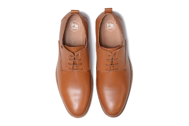 Scarpe con lacci Mr SARENZA Scano Marrone modello indossato