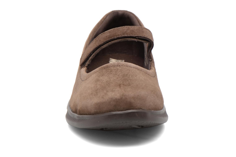 Ballerines Skechers Go Step lite quaint1 Marron vue portées chaussures