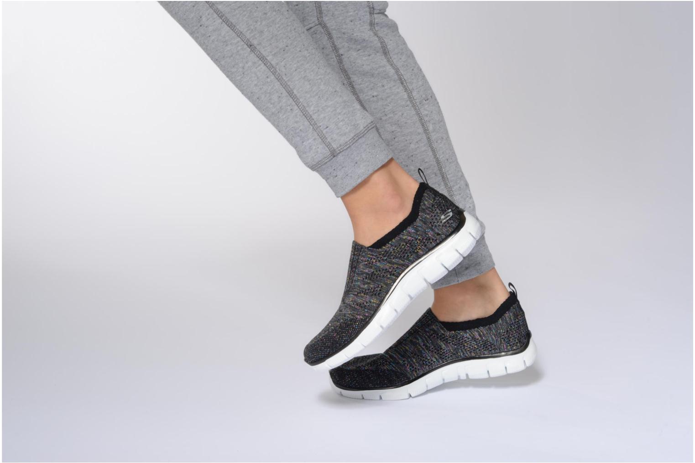 Sneaker Skechers Empire round up grau ansicht von unten / tasche getragen