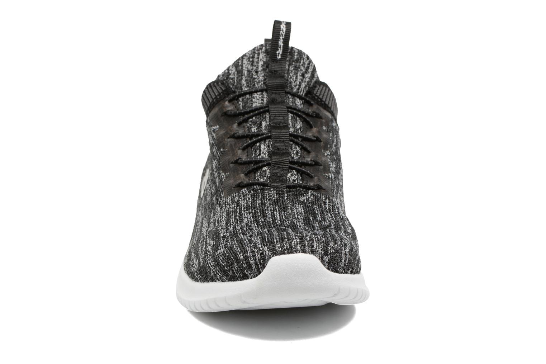 Zapatillas de deporte Skechers Ultra Flex Bright Horizon Gris vista del modelo