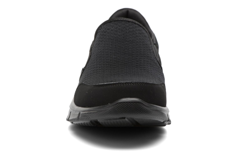 Chaussures de sport Skechers Equalizer Persistent Noir vue portées chaussures
