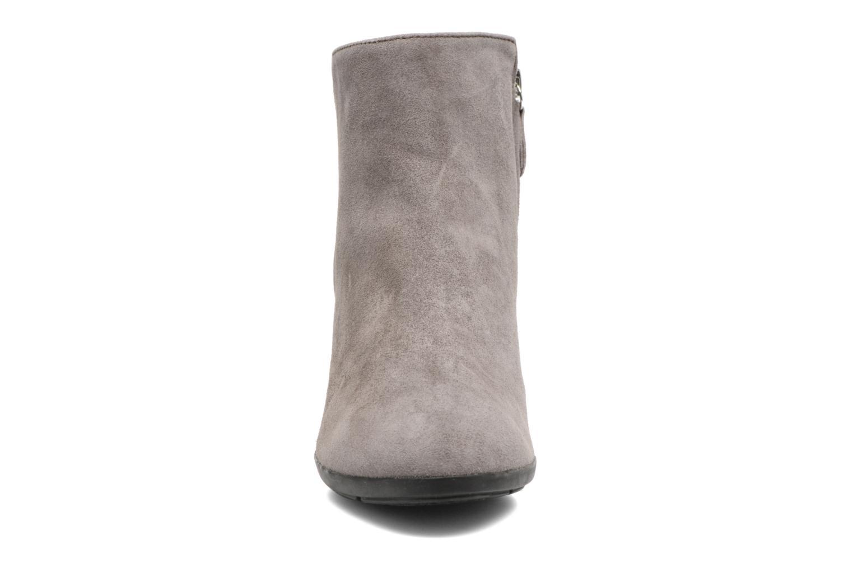 Bottines et boots Geox D Inspirat.Wed C D745ZC Gris vue portées chaussures