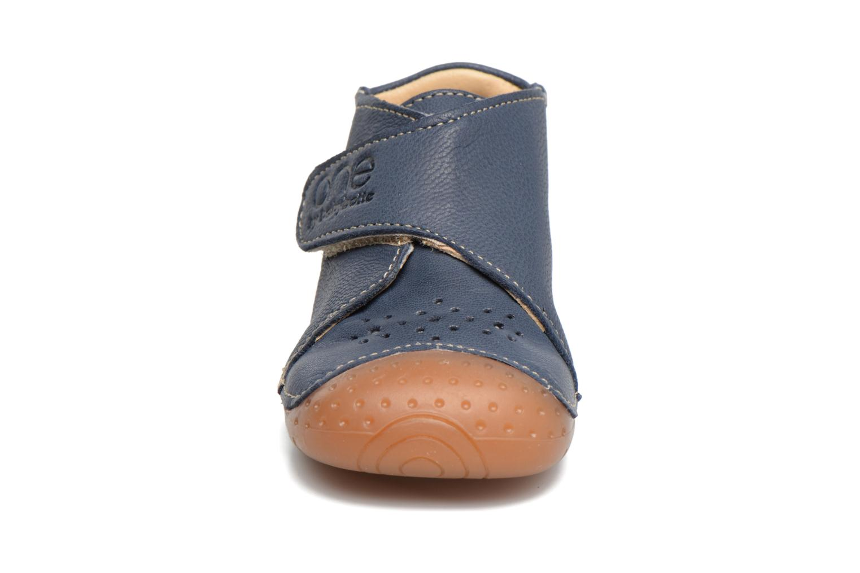 Chaussons Babybotte Zen Bleu vue portées chaussures
