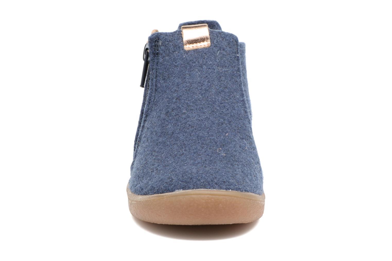 Chaussons Babybotte Marguerite Bleu vue portées chaussures