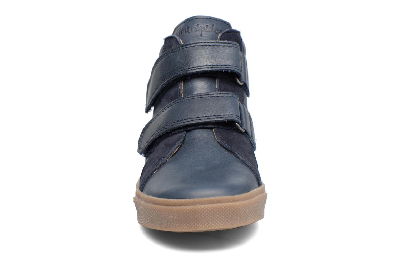 Baskets Babybotte Kelvin Bleu vue portées chaussures