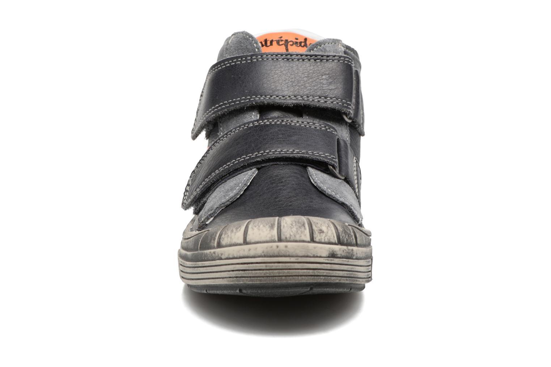 Baskets Babybotte Kongo Gris vue portées chaussures