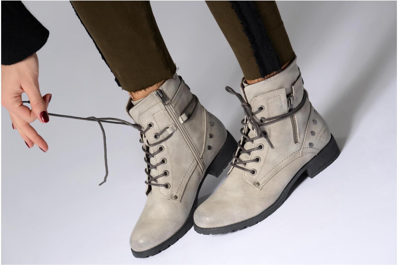 Stiefeletten & Boots Tom Tailor Mélissa grau ansicht von unten / tasche getragen