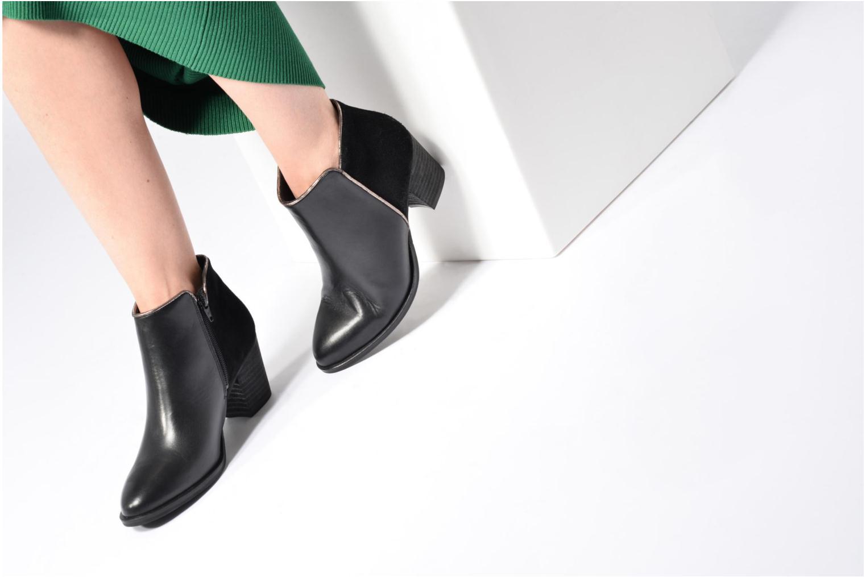 Stiefeletten & Boots Georgia Rose Catalon schwarz ansicht von unten / tasche getragen