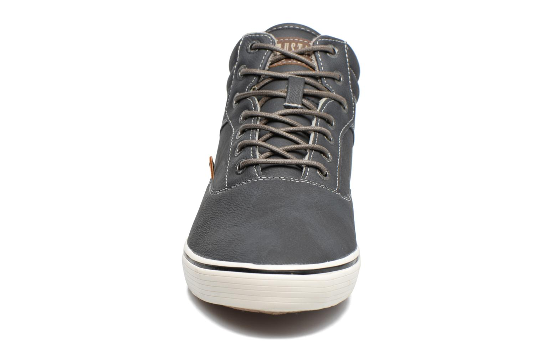 Baskets Mustang shoes Galéo Gris vue portées chaussures