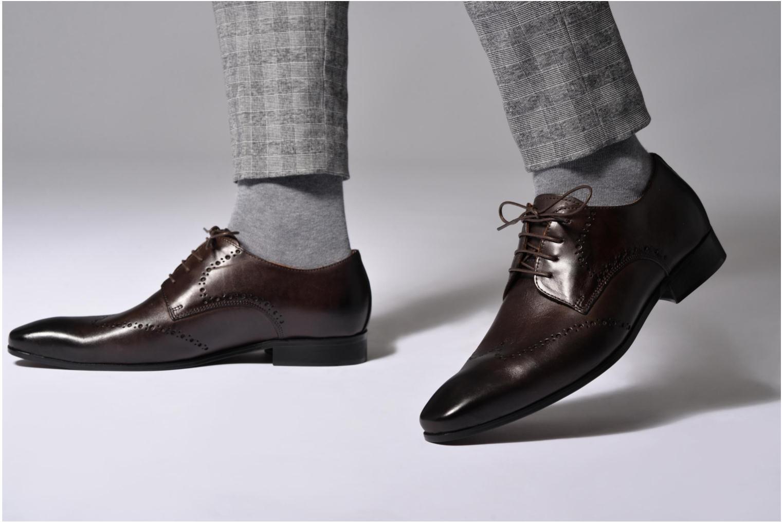 Chaussures à lacets Marvin&Co Nottage Marron vue bas / vue portée sac