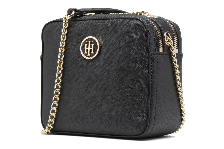 Sacs à main Tommy Hilfiger Camera Bag Novelty Solid Noir vue portées chaussures