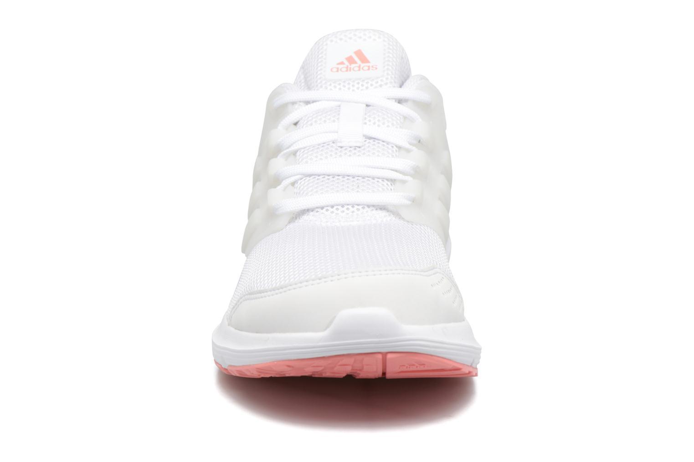 Chaussures de sport Adidas Performance Galaxy 4 W Blanc vue portées chaussures