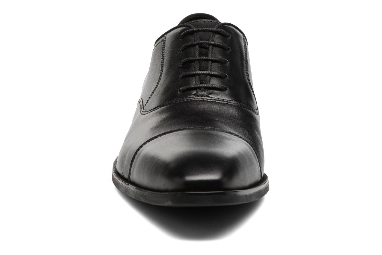 Chaussures à lacets Geox U New Life E U74P4E Noir vue portées chaussures
