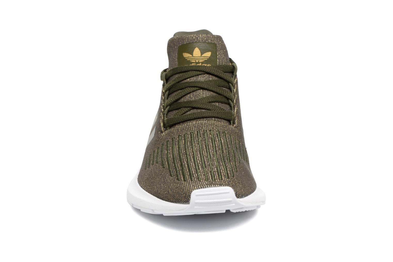 Sneaker Adidas Originals Swift Run W grün schuhe getragen