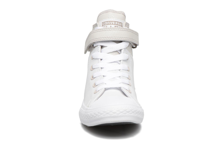 Baskets Converse Chuck Taylor All Star Brea  Hi Blanc vue portées chaussures