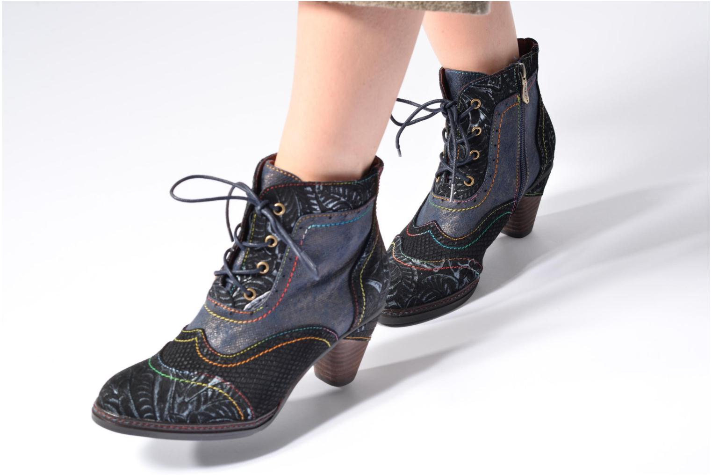 Bottines et boots Laura Vita Alizee 30 Noir vue bas / vue portée sac