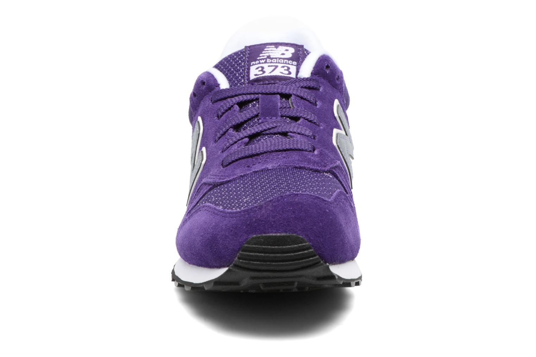 Baskets New Balance WL373 B Violet vue portées chaussures