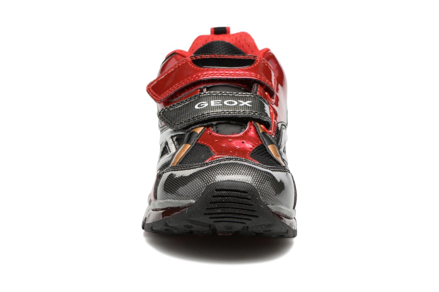 Baskets Geox J Android B. B J7444B Rouge vue portées chaussures