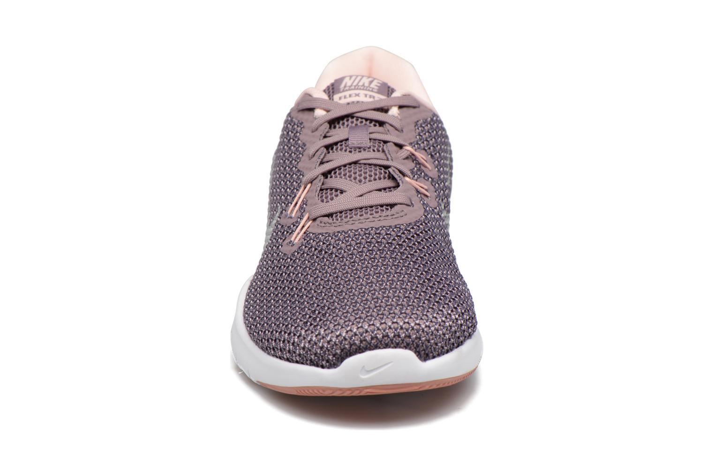 Chaussures de sport Nike W Nike Flex Trainer 7 Bionic Violet vue portées chaussures
