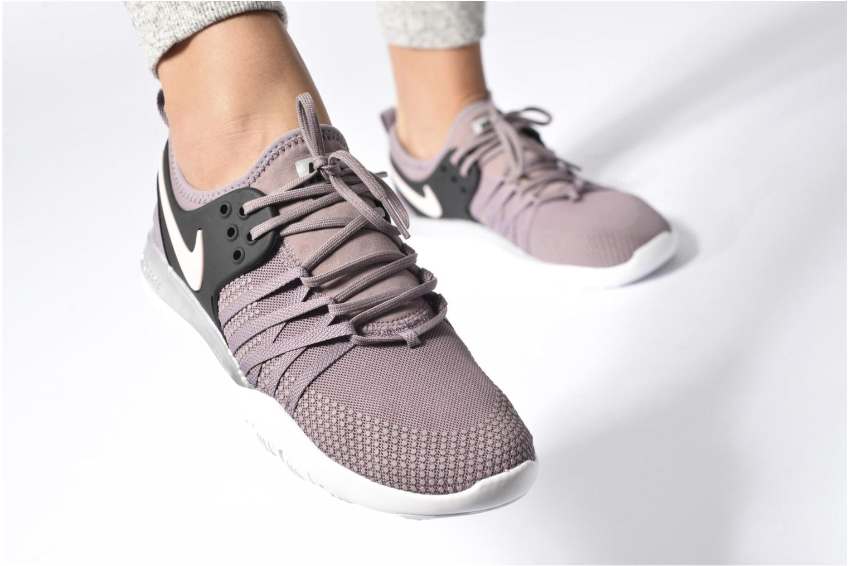 Chaussures de sport Nike Wmns Nike Free Tr 7 Bionic Noir vue bas / vue portée sac