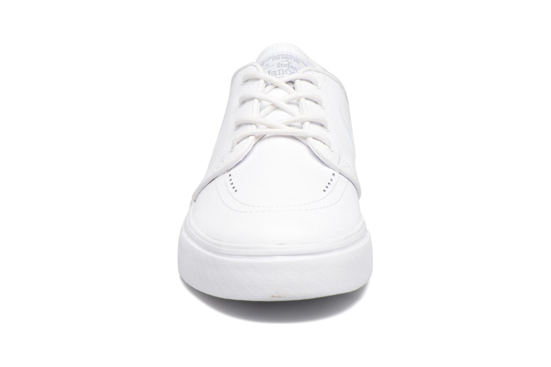 Baskets Nike Nike Zoom Stefan Janoski L Blanc vue portées chaussures