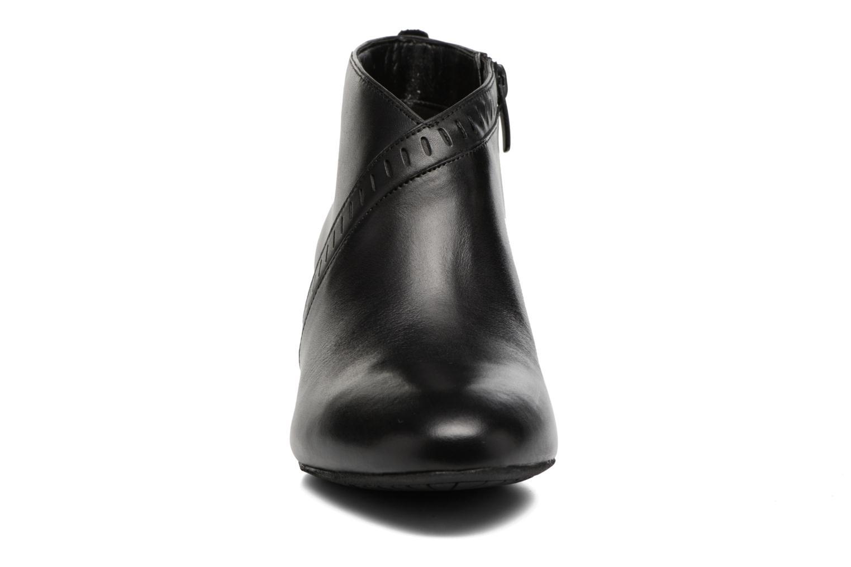Bottines et boots Clarks Denny Frances Noir vue portées chaussures