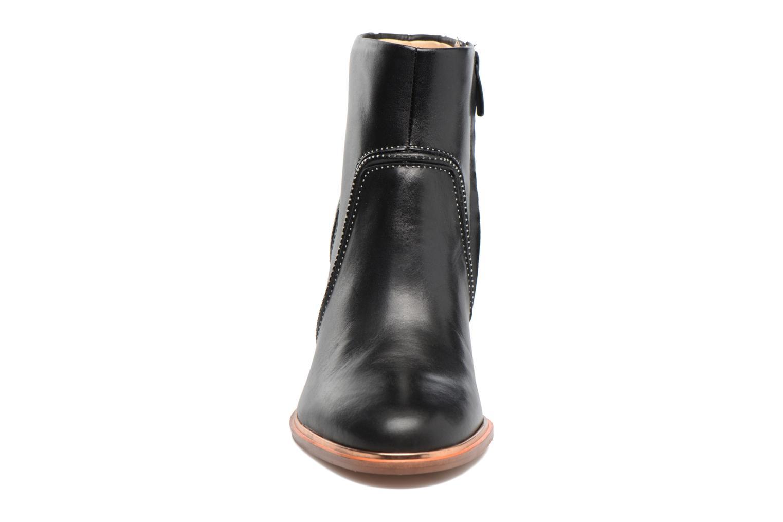 Bottines et boots Clarks Ellis Betty Noir vue portées chaussures