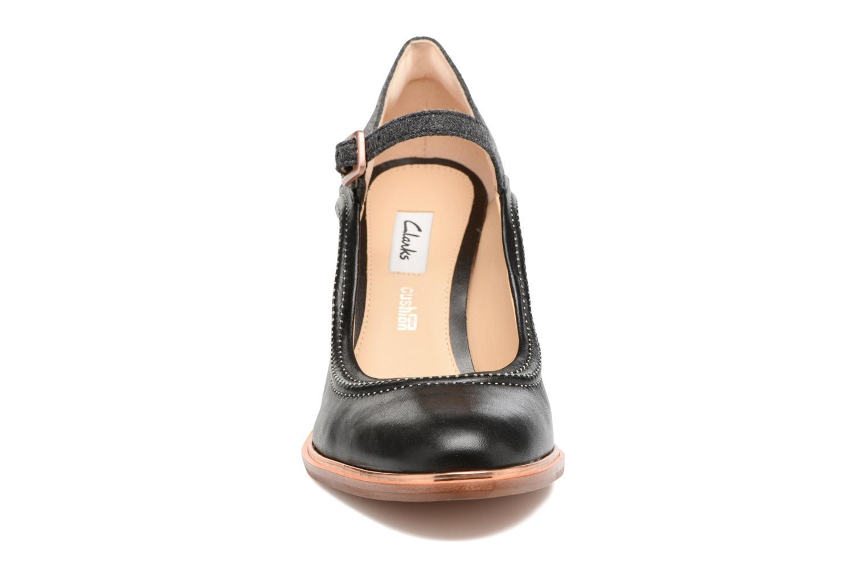 Escarpins Clarks Ellis Mae Noir vue portées chaussures