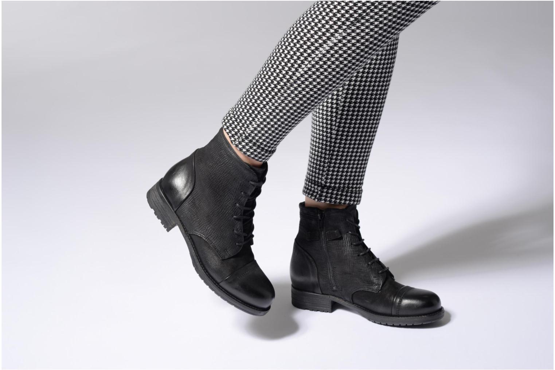 Bottines et boots Clarks Adelia Stone Noir vue bas / vue portée sac