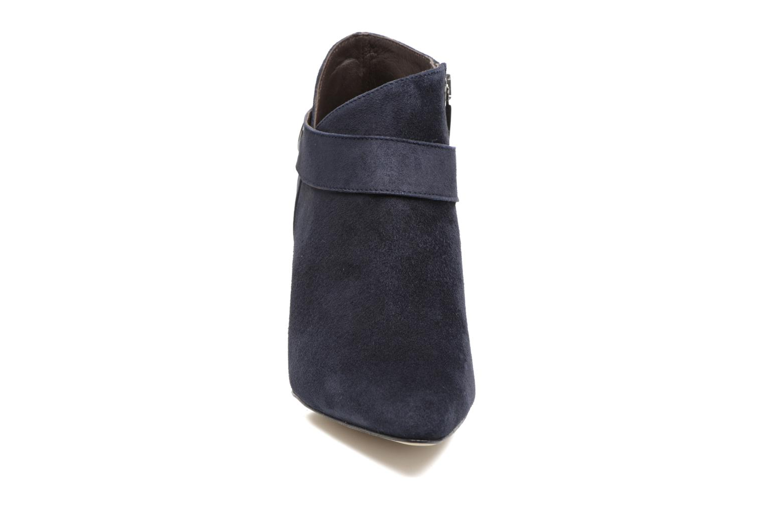 Ankle boots Perlato Edel Blue model view