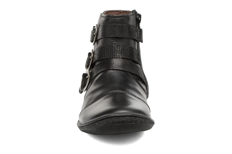 Bottines et boots Kickers Calina Noir vue portées chaussures