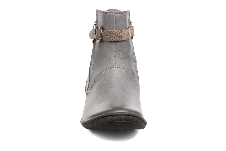Bottines et boots Kickers Cameron Gris vue portées chaussures